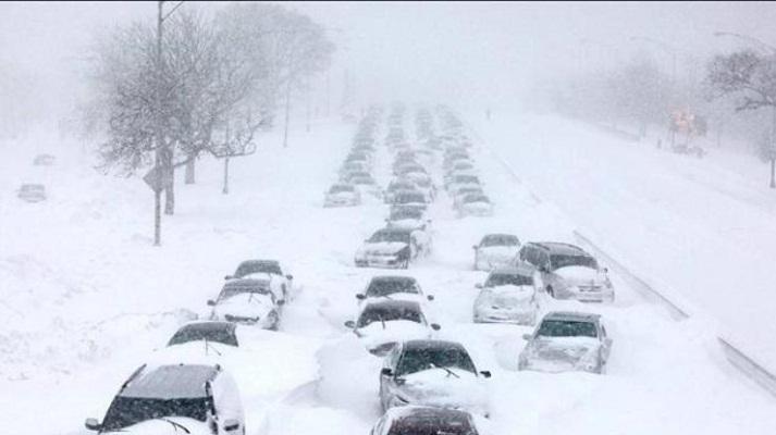 Украину завалило снегом: ледниковый период