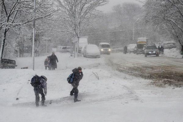 После сильных снегопадов в Украину пришли морозы