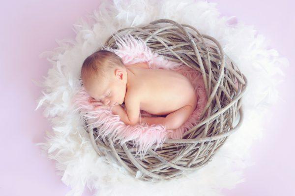 Тепловая сыпь у младенца